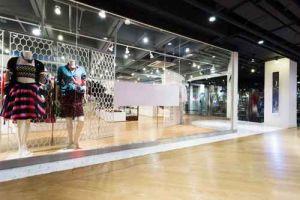 clothing fashion shop exhibition window